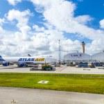 Atlas air at Miami Airport — Stock Photo #31316151