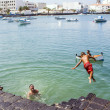 Children play at the charco de San Gines  — Lizenzfreies Foto
