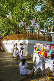People worship at the famous place where Gautama Buddha is sai — Stock Photo