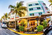 Ver en ocean drive en miami en el distrito art deco — Foto de Stock