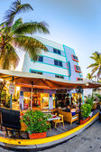 View at Ocean drive with starlite hotel in Miami in the art dec — Stock Photo