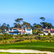 Beautiful houses near the Pfeiffer beach in California with golf — Stock Photo