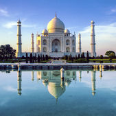 Taj Mahal in Agra — Stock Photo