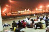 As pessoas esperam para o próximo vôo — Foto Stock