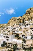 Ma'loula or Maalula, a small Christian village in the Rif Dimash — Stock Photo