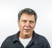 улыбающийся человек, изолированные на белом фоне — Стоковое фото