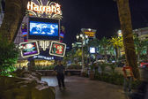 Entrance of  Harrahs casino and hotel in Las Vegas by night — Stock Photo