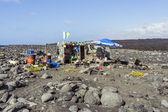 Fishermans hut  at volcanic beach in Timanfaya — Stock Photo
