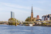 Skyline of Frankfurt with river Main — Stock Photo