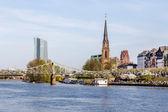 Skyline of Frankfurt with river Main — Foto Stock