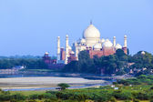 View to Taj Mahal from red fort — Stock Photo