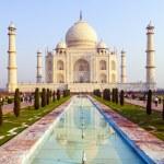 Taj Mahal in sunrise light — Stock Photo