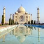Taj Mahal in sunrise light, — Stock Photo
