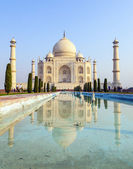 Taj Mahal in sunrise light, — Stock Photo