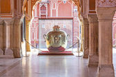Huge water bottle at City Palace in Jaipur — Stock Photo