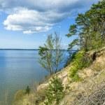 浪漫陡峭悬崖上跳下湖 — 图库照片 #45402847
