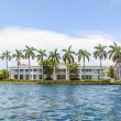 View to beautiful houses from the canal in Fort Lauderdale — Stock Photo #46110415