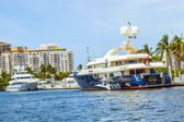 Boats at waterfront side in Fort lauderdale — Stock Photo
