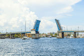 Open drawbridge in Fort Lauderdale — Stock Photo