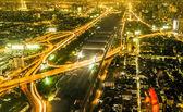 Bekijken over de skyline van bangkok per nacht — Stockfoto