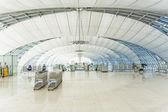 People wait at departure terminal of Suvarnabhumi International  — Stock Photo