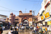 People at the old city gate in Bikaner — Stock Photo