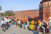 People visit the Red Fort in Delhi — Stock fotografie