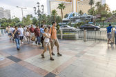 Pedestrians in downtown  in Las Vegas — Stock Photo