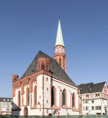 Famous old Nikolai Church in Frankfurt at the central roemer pla — Stock Photo