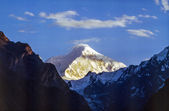 View to snow covered mountains from Karimabad, Karakorum Highway — Stock Photo