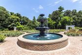 Fountain at public park in Bellingraths gardens — Foto de Stock