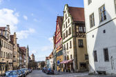 Tourists at the market place of Rothenburg ob der Tauber — Stock Photo