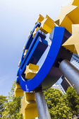 Euro sign at European Central Bank headquarters in Frankfurt, Ge — Foto de Stock
