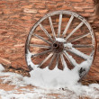Antique wagon wheel — Stock Photo