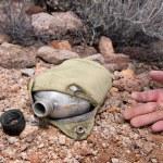 死名徒步旅行者和空水壶 — 图库照片