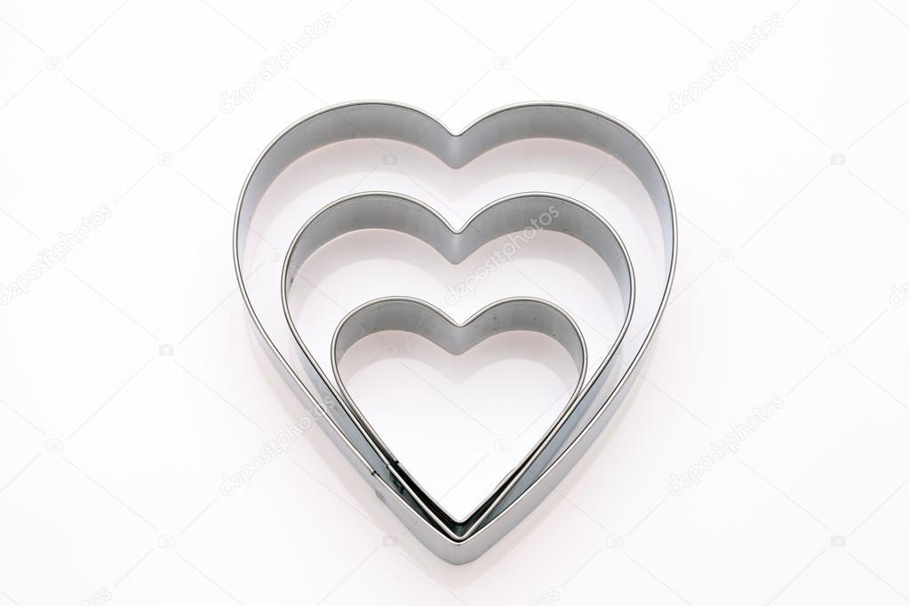 心形白色背景上的 cookie 刀具– 图库图片