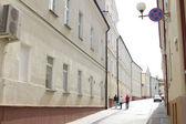 Strada pedonale nel centro storico europeo — Foto Stock