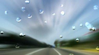 Chuva e túnel rodoviário de velocidade cai no protetor de vento — Vídeo stock