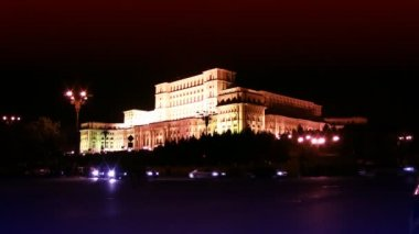 The Palace of the Parliament in Bucharest,Romania,night traffic time lapse — Stock Video
