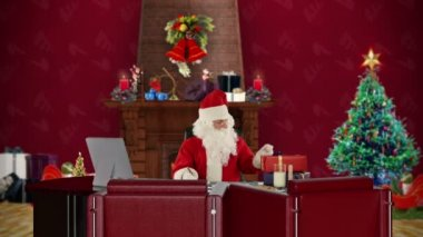 Santa Claus reading letters, office with Christmas decor — Vidéo