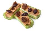 芹菜花生黄油和葡萄干 — 图库照片