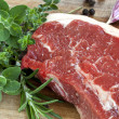 Raw Sirloin Steak with Herbs — 图库照片