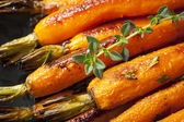 Roasted Baby Carrots with Thyme — Stock Photo
