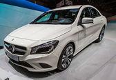 83rd Geneva Motorshow 2013 - Mercedes-Benz CLA — Stock Photo
