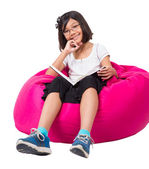 Little Asian Girl Reading — Stockfoto