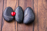 Corazón de piedra y valentine zen — Foto de Stock