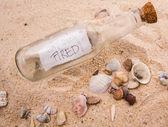 Mensagem na garrafa — Fotografia Stock