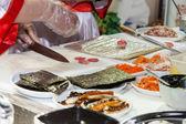 Vaření japonské sushi rohlíky — Stock fotografie