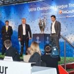 Presentation UEFA Champions League trophy — Stock Photo #9693638