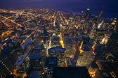 在晚上的芝加哥 — 图库照片